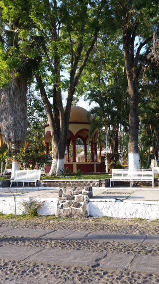 The gazebo in the jardín