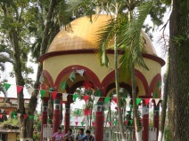 The gazebo in the jardín, with pictures of Hidalgo, Josefa and Morelos